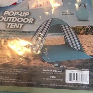 Other - Pop up outdoor beach tent with carrying case nwt